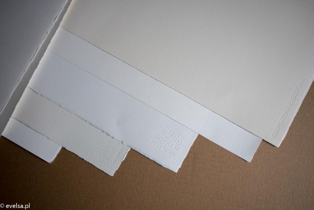 Zakupy plastyczne papier pędzle farby grafit