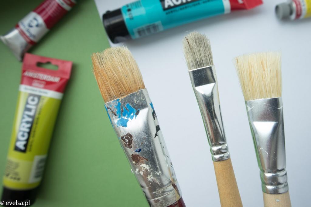 pędzle szczecinowe do farb akrylowych